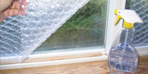 نایلون حبابدار در پنجره دوجداره